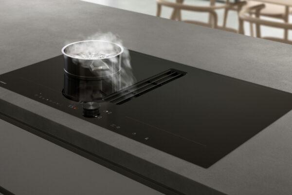 Flexinductie kookplaat met geintegreerd afzuigsysteem